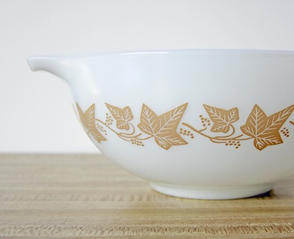 Pyrex Mixing Bowl from rachiesplace