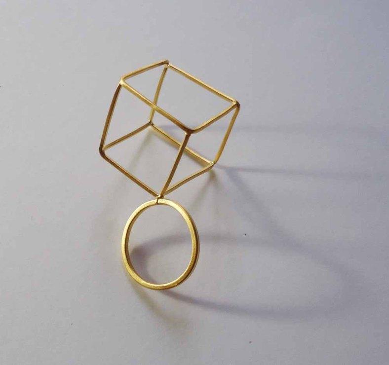 Cube ring by Mukenia