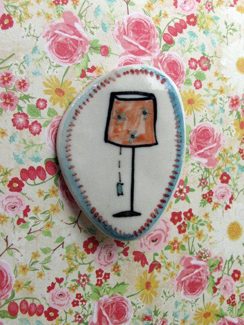 DAISY Porcelain floor lamp brooch by NiuTaller