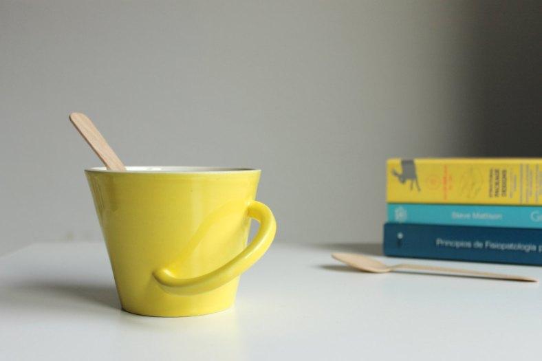 Yellow mug de BiscuitCuit
