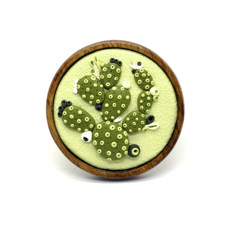 Large green cactus brooch by mariagotijoyas