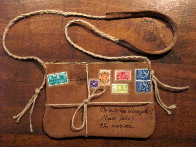 "Handmade bag in Beige Suede like ""parcel post"" de MuffyBolsos"
